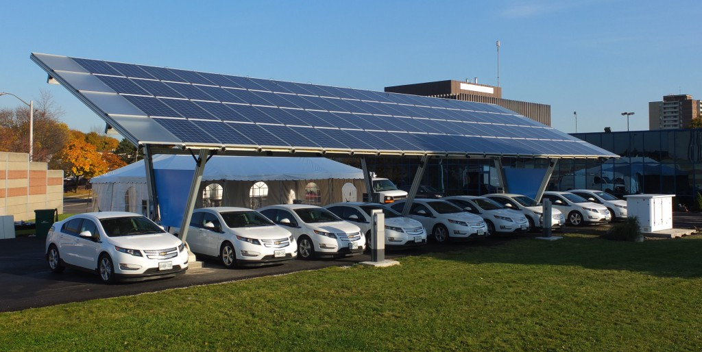 via wikipedia Sass Peress, Renewz Sustainable Solutions Inc. - https://www.baka.ca/solar
