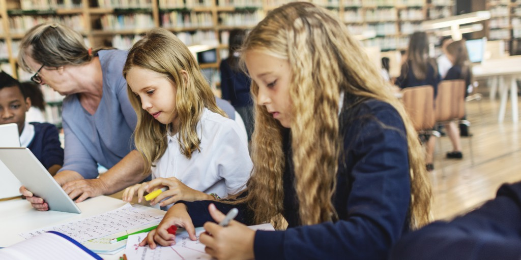 bambini, scuola, tablet, compiti, studio, shutterstock_397434397